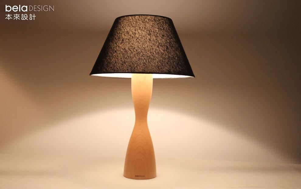 原创木质装饰台灯 现代简约卧室床头灯woman