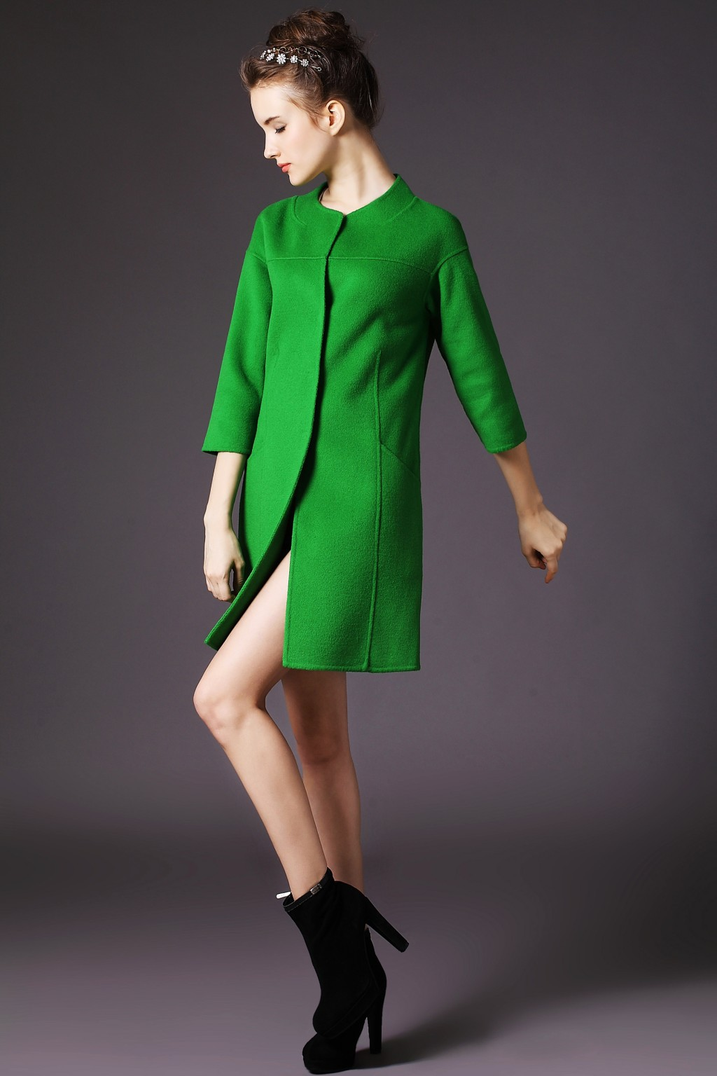 淡绿色毛衣搭配什么外套